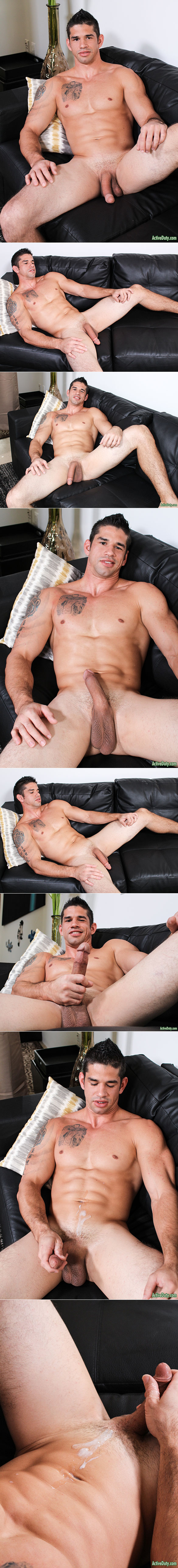 ActiveDuty: Big-dicked muscle stud Jason Richards rubs one out