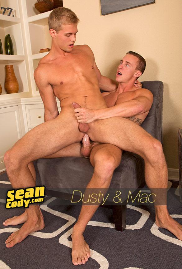 Sean Cody: Mac barebacks Dusty